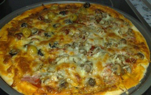 Retete Culinare - Pizza