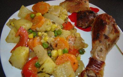 Retete Culinare - Pui cu legume la tigaie
