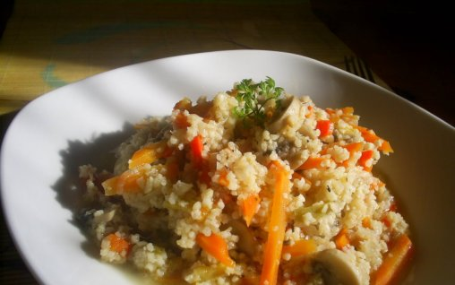 Retete Culinare - Cus-cus cu legume