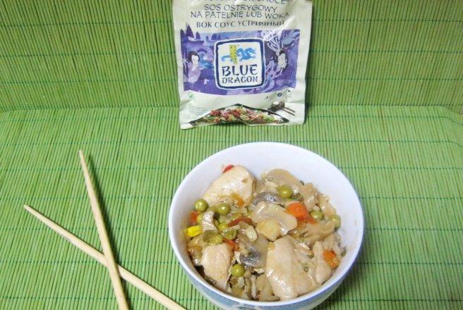 Reteta culinara Stir-fry de pui cu sos de stridii | Bucataras