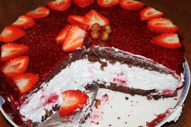 Imagini pentru Tort aniversar (de post)