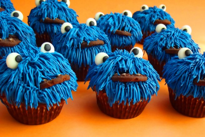 Retete Culinare - Cookie Monster Cupcakes