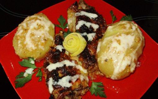 Retete Culinare - Aripi de curcan marinate, preparate in cuptor, cu cartofi