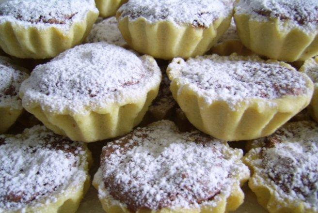 Cosulete cu dulceata si nuci