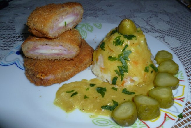 Cordon bleu  cu orez in sos de curry