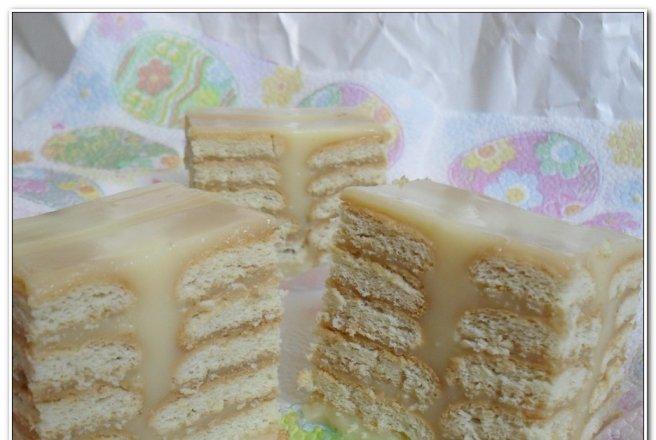 Prajitura cu budinca de vanilie si biscuiti