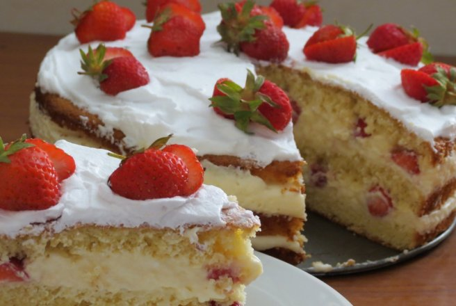 Retete de tort cu capsuni