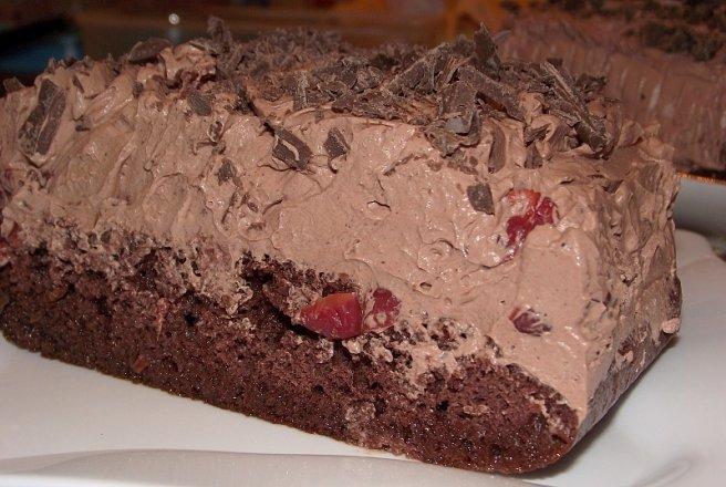 Tort de ciocolata cu visine