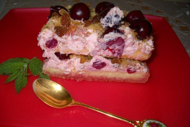 Prăjitură cu visine piscoturi si frisca