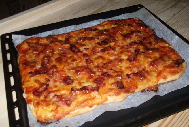 Pizza cu bacon