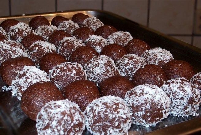 Prajitura cu biscuiti sfaramati fara coacere