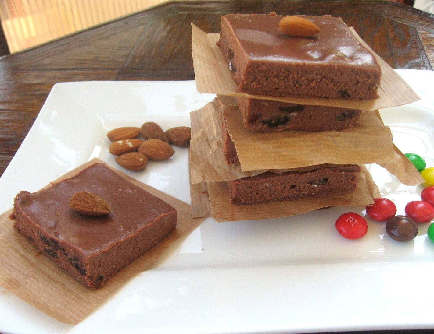 Reteta culinara ciocolata de casa cu stafide si rom for Ciocolata de casa reteta clasica