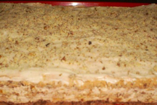 Prăjitură cu bezea și nucă jamila