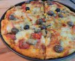 Pizza cu salam si bacon-1