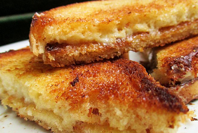 Sandwich prajit (Grilled cheese sandwich)