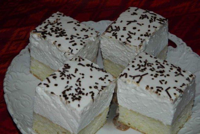 Tort numai cu albusuri