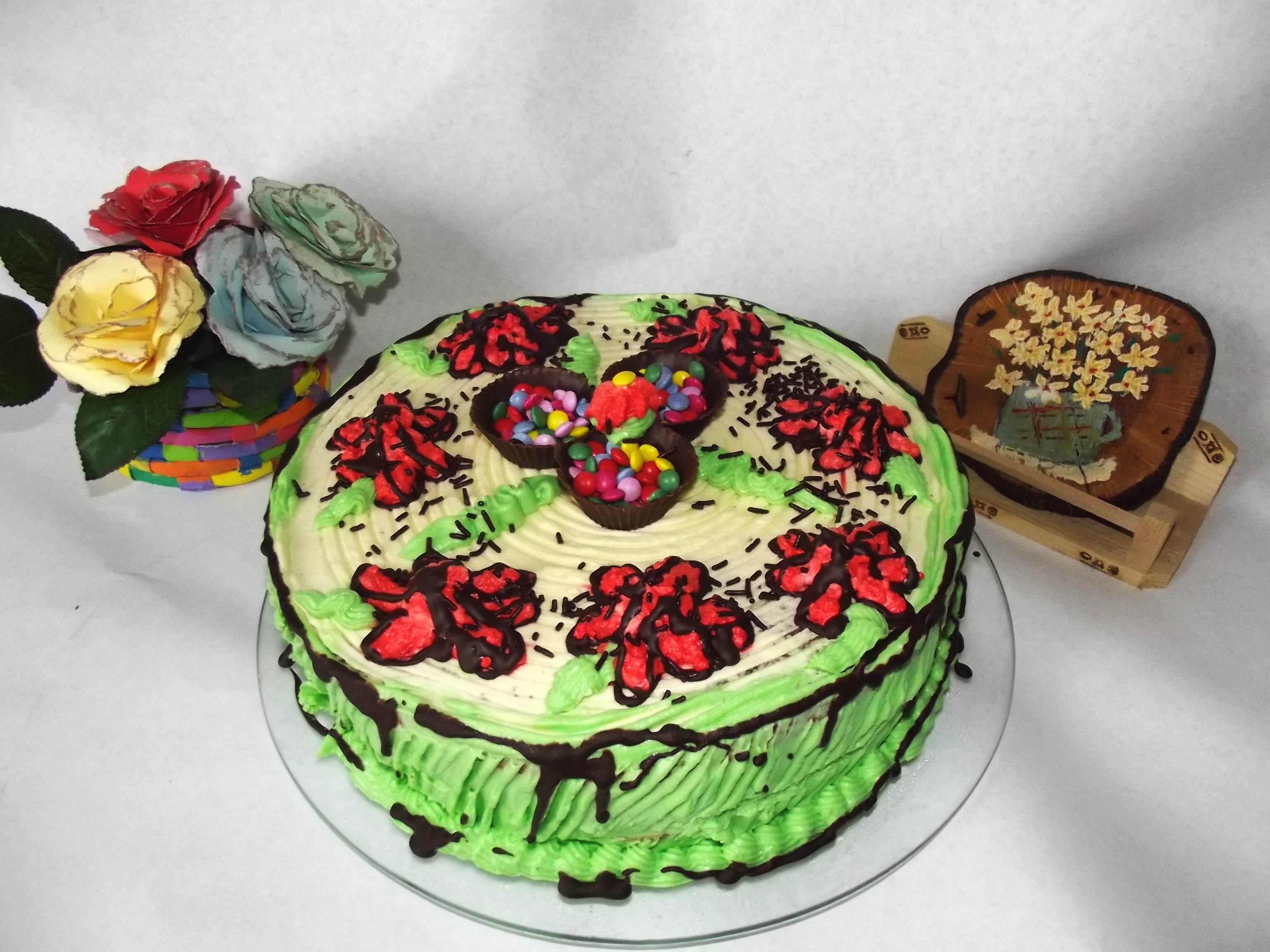 Desert tort cu nuca si crema de vanilie