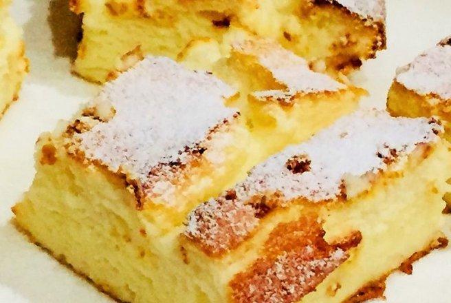 Prajitura cu iaurt grecesc si fructe