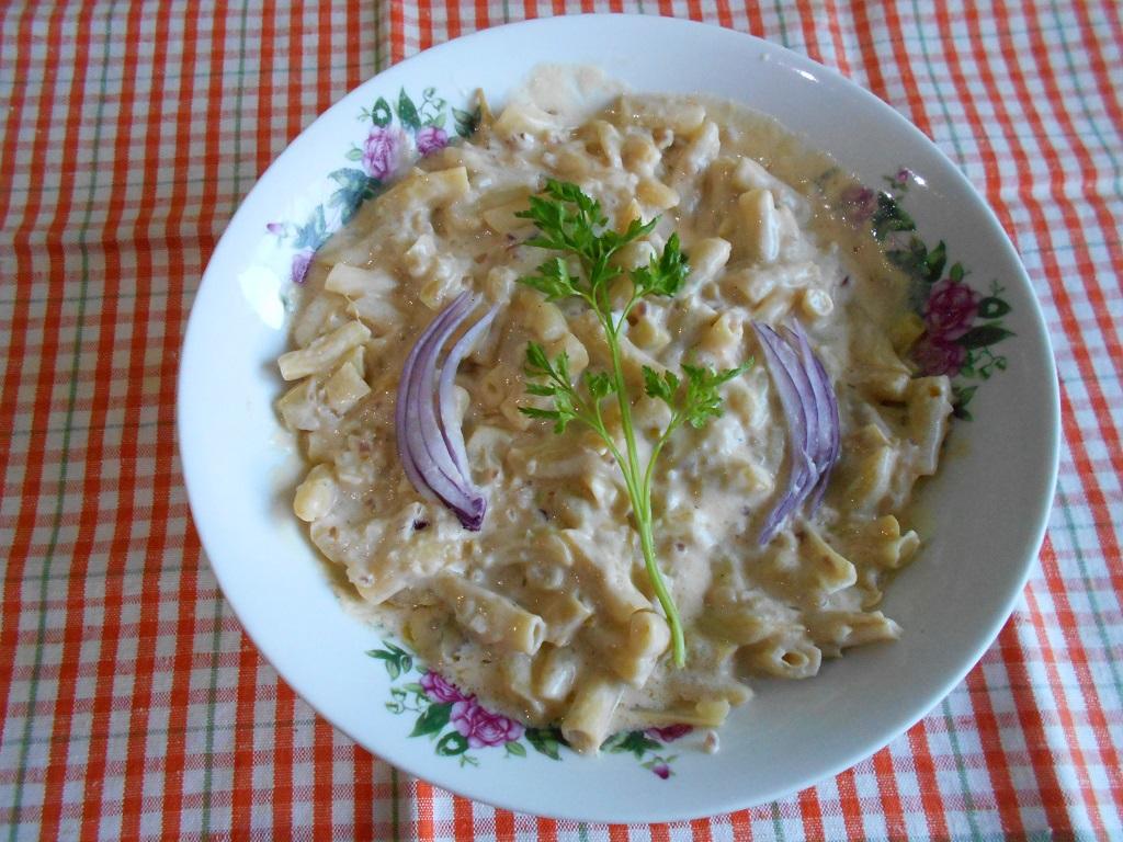Mancare de pastai galbene, cu sos alb