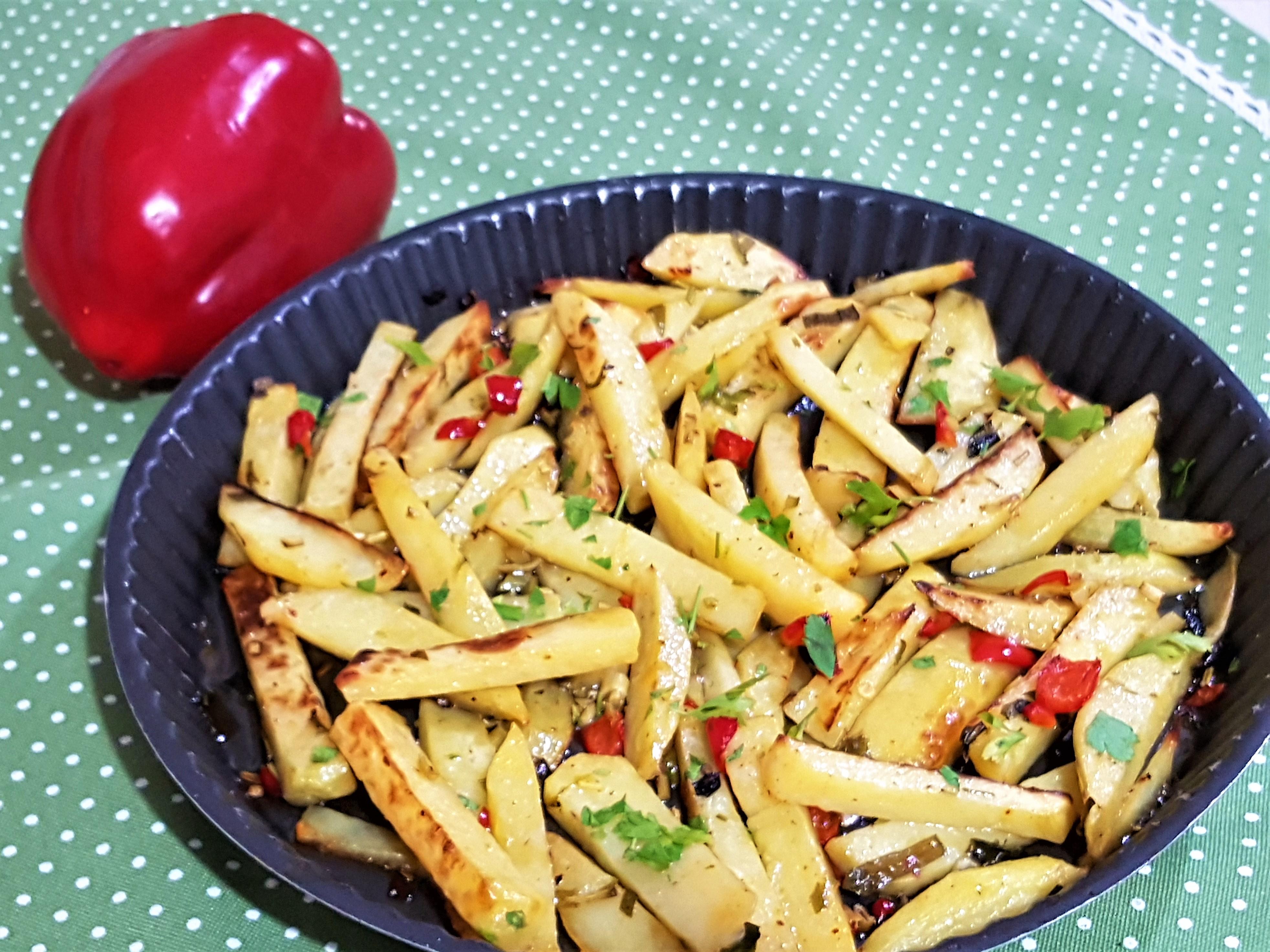Cartofi cu usturoi verde- la cuptor