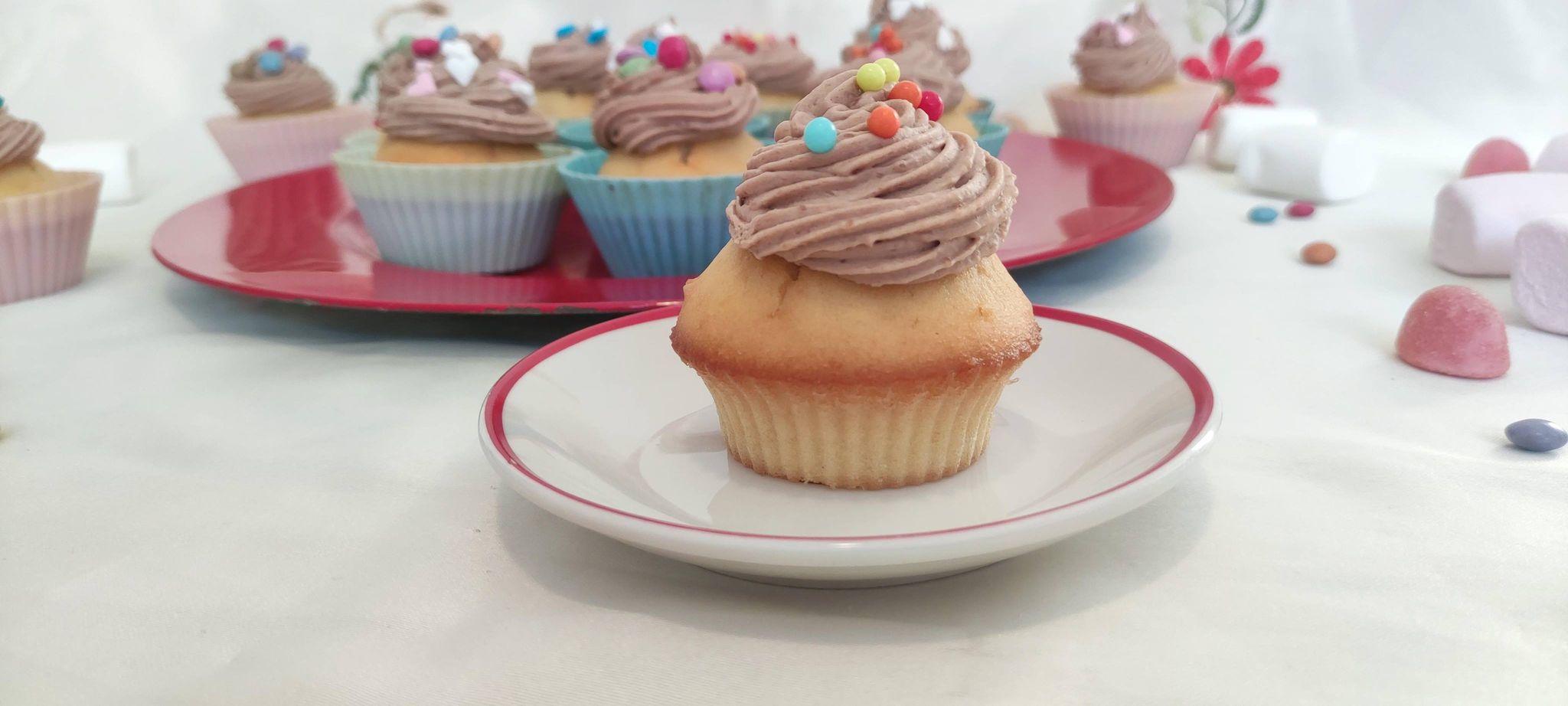 Cupcakes cu ganache de kinder bueno