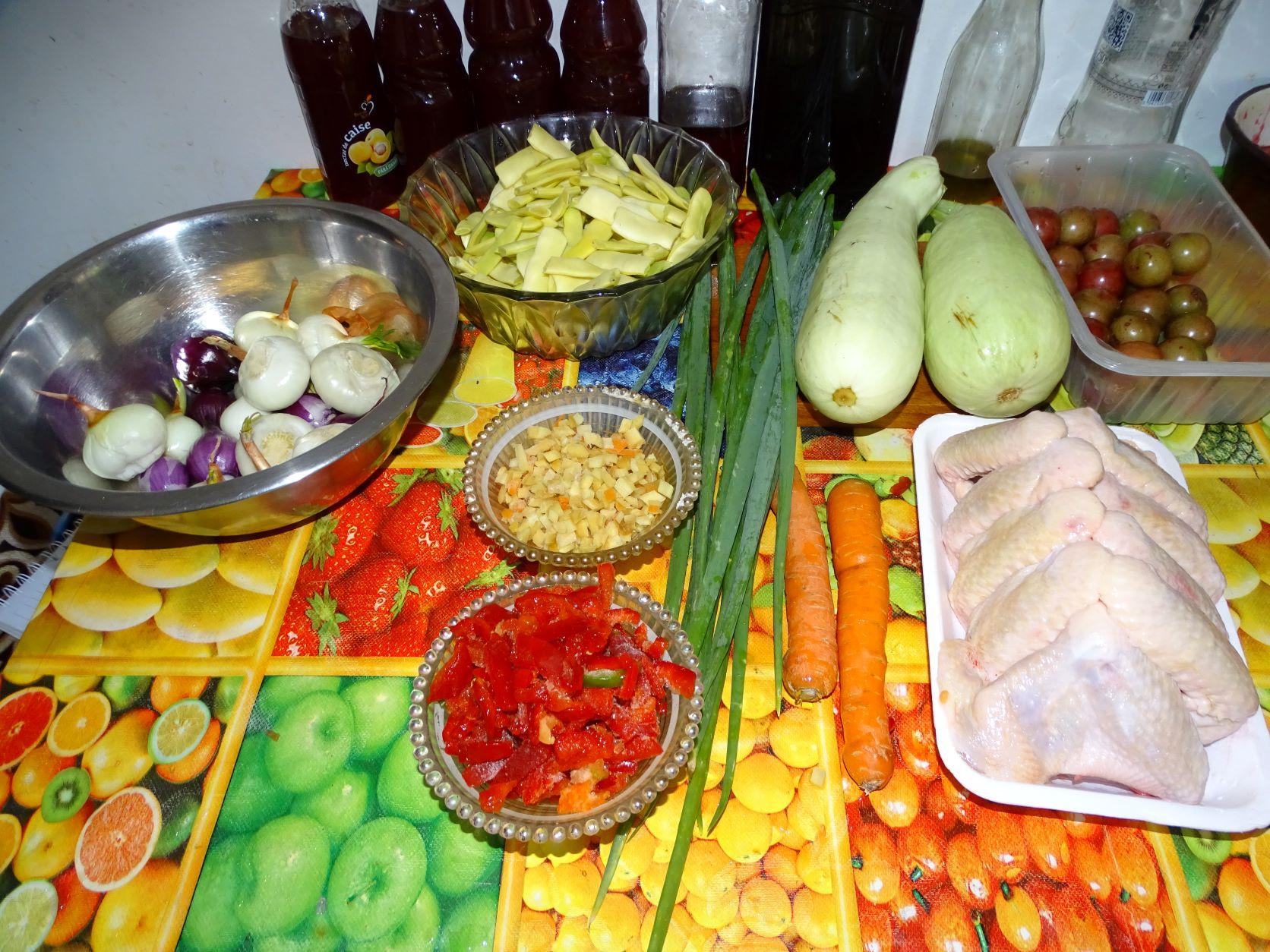 Ciorba de pui cu legume