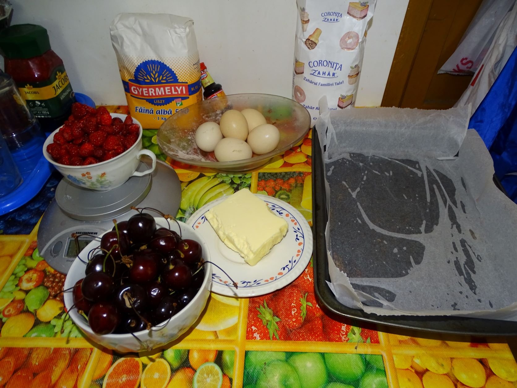 Prajitura cu fructe de vara