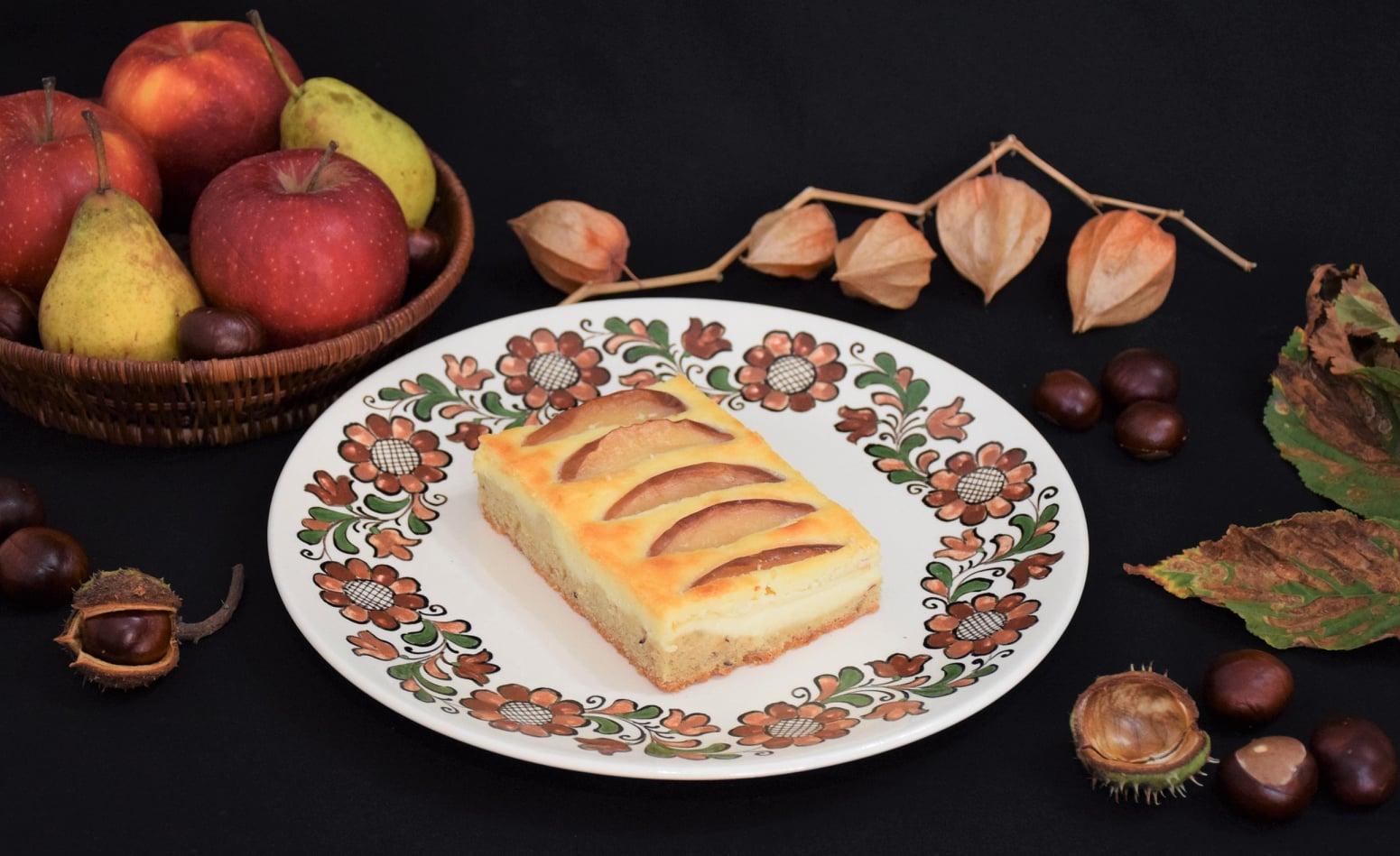 Prajitura cu mere si branza