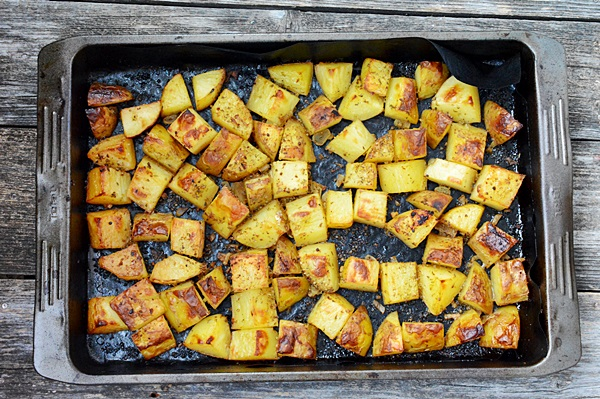 Cartofi noi in stil grecesc